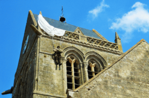 sul-campanile-di-st-marie-eglise-bayeux